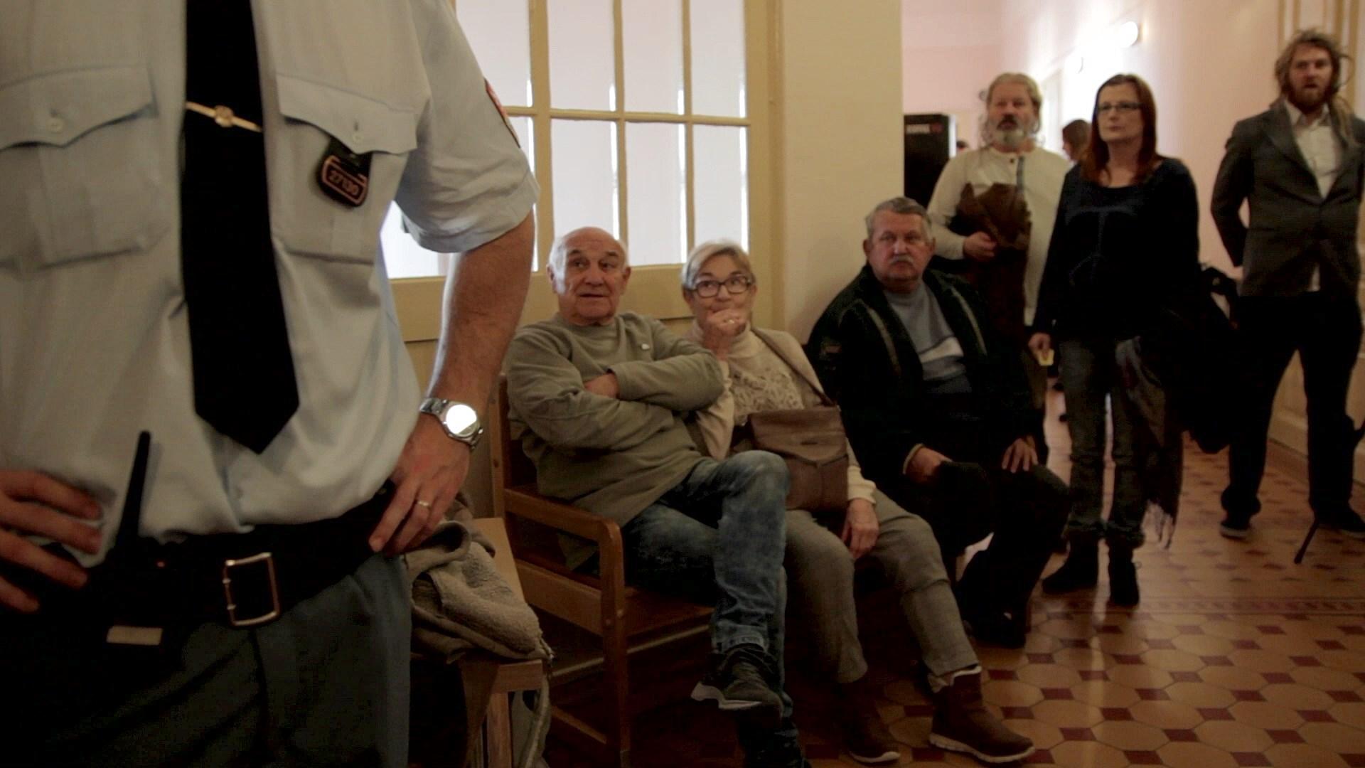 Rodiče Dušana Dvořáka čekají na soud